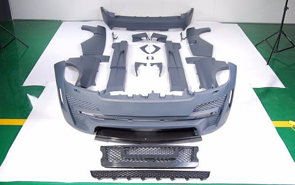 Full body kit HAMANN MYSTERE for Range Rover Vogue up 2013 models: front bumper set, grill, wheel arches, pads on doors, side skirts, rear bumper set, exhaust pips