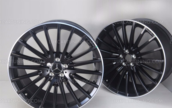 AMG Black Alloy Wheels R22 GLS